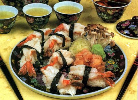 суши с пильчатыми креветками