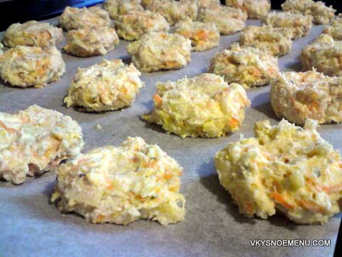 Булочки на кефире с оливками – кулинарный рецепт