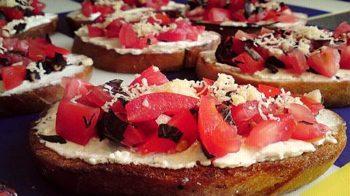 Бутерброды с Фетой и томатами