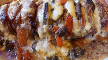 Свинина с томатами, грибами, сыром
