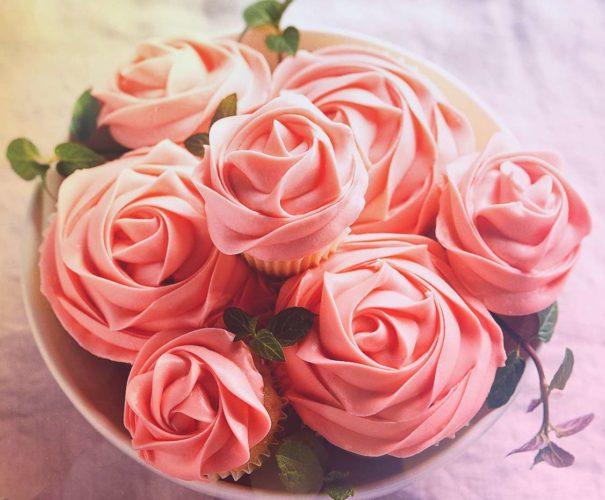 капкейки в форме роз